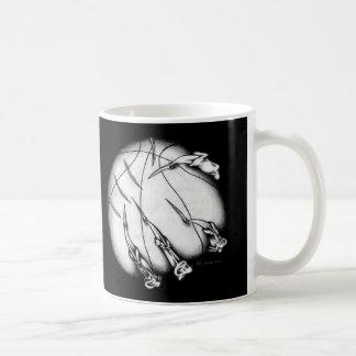 Baloncesto demoníaco taza básica blanca