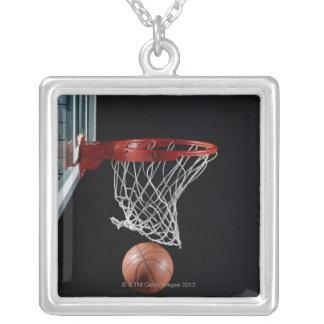 Baloncesto en aro colgante cuadrado