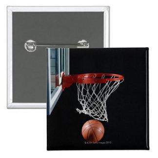 Baloncesto en aro pin cuadrado