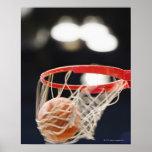 Baloncesto en cesta póster