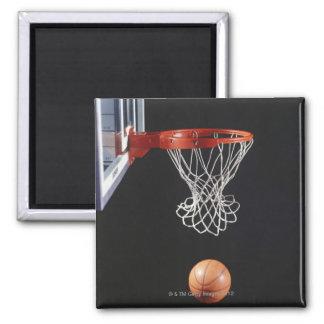 Baloncesto en el aro, primer 2 imán cuadrado