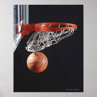 Baloncesto en el aro, primer póster