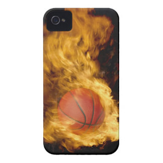 Baloncesto en el fuego (compuesto digital) iPhone 4 funda