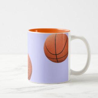 Baloncesto en la taza del aire