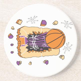 baloncesto extremo que rasga a través de corte posavasos para bebidas