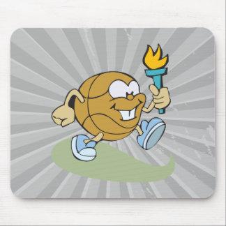 baloncesto lindo del dibujo animado con la antorch tapetes de ratón