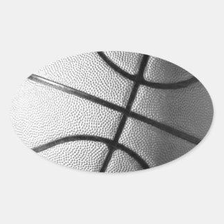 Baloncesto negro y blanco pegatina ovalada