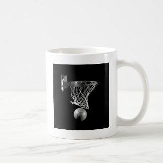 Baloncesto negro y blanco taza de café