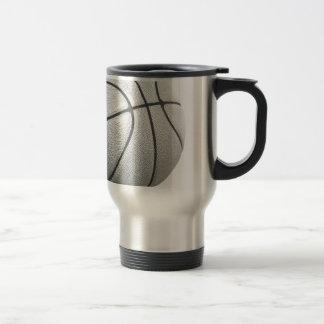 Baloncesto negro y blanco taza de viaje