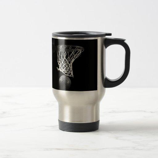 Baloncesto negro y blanco tazas de café