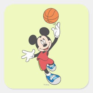 Baloncesto que lanza deportivo de Mickey el | Pegatina Cuadrada