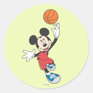 Baloncesto que lanza deportivo de Mickey el | Pegatina Redonda