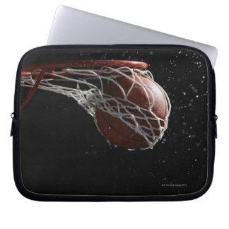 Baloncesto que pasa a través del aro 2 mangas portátiles