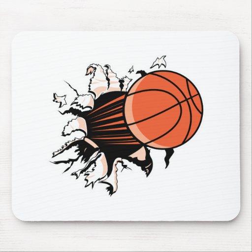 baloncesto que rasga a través alfombrillas de ratones