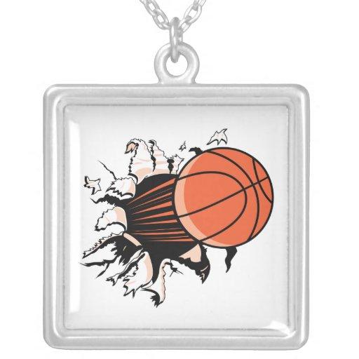 baloncesto que se rompe con potente collar