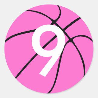 Baloncesto rosado pegatina redonda