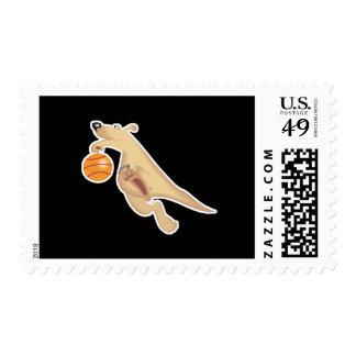 baloncesto tonto que juega el canguro franqueo