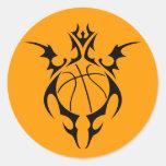 baloncesto. tribal etiqueta redonda