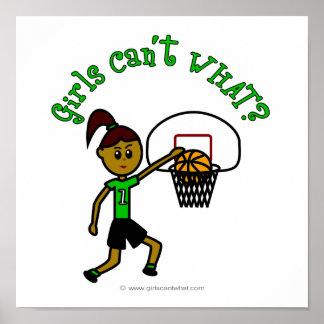Baloncesto verde oscuro de los chicas posters