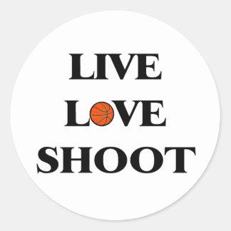 Baloncesto vivo del lanzamiento del amor pegatina redonda