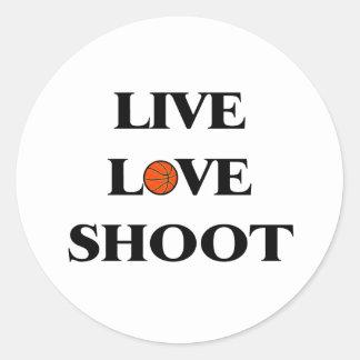 Baloncesto vivo del lanzamiento del amor etiquetas redondas