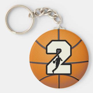 Baloncesto y jugador del número 2 llavero personalizado