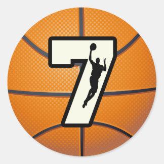 Baloncesto y jugador del número 7 etiquetas redondas