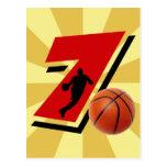 Baloncesto y jugador del número 7 postales