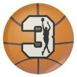 Baloncesto y jugadores del número 3 plato