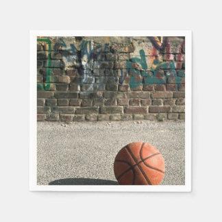 Baloncesto y pintada servilleta de papel