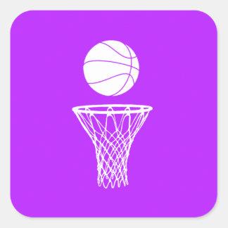 Baloncesto y púrpura del pegatina del aro