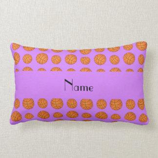 Baloncestos púrpuras en colores pastel conocidos p almohadas