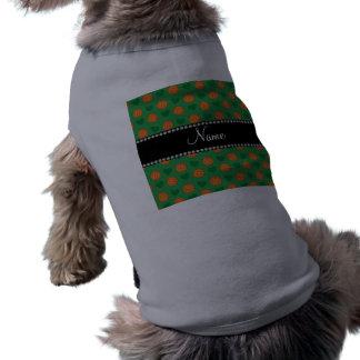 Baloncestos y corazones verdes conocidos de encarg camisetas mascota