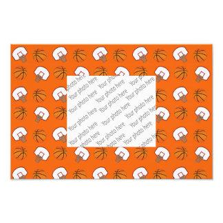 Baloncestos y modelo anaranjados de las redes