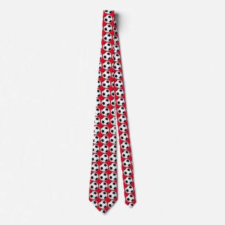 Balones de fútbol blancos y negros en lazo rojo corbata personalizada