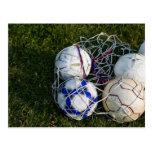 Balones de fútbol en red postal