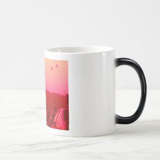 baloon: pink- red magic mug