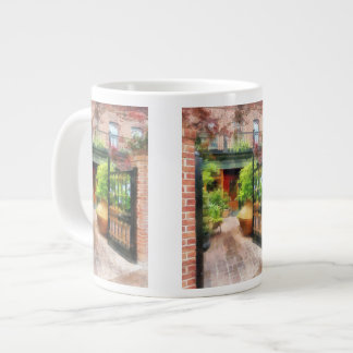 Baltimore - Restaurant Courtyard Fells Point Large Coffee Mug
