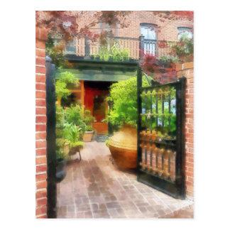 Baltimore - Restaurant Courtyard Fells Point Postcard