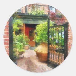 Baltimore - Restaurant Courtyard Fells Point Classic Round Sticker