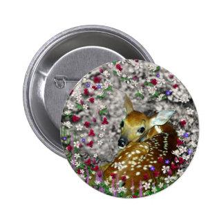 Bambina el cervatillo Blanco-Atado en las flores I Pin Redondo De 2 Pulgadas