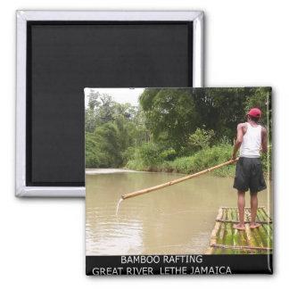Bambú que transporta el gran río en balsa Lethe Ja Imán Cuadrado