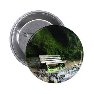 Banco de la cueva pins