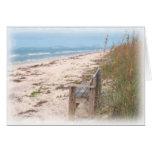 Banco en la pintura de la acuarela de la playa felicitaciones
