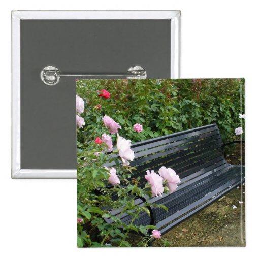 Banco en los rosas pin