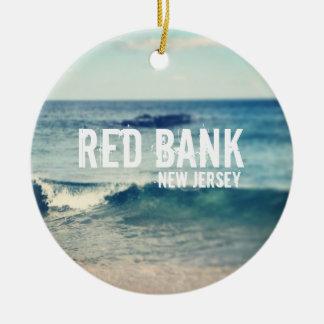 Banco rojo 2013 - recuperación en la orilla del adorno redondo de cerámica