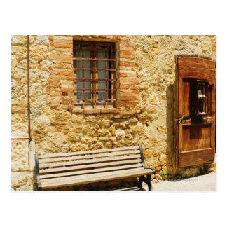 Banco vacío delante de una pared, Monteriggioni, Tarjetas Postales