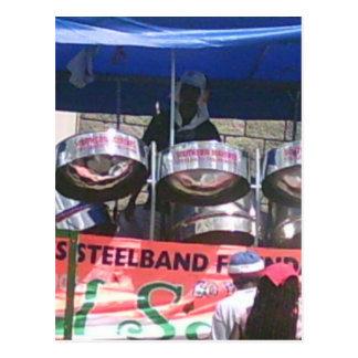 Banda del tambor de acero que juega en carnaval postal