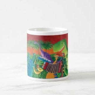 Banda enrrollada del dinosaurio taza básica blanca