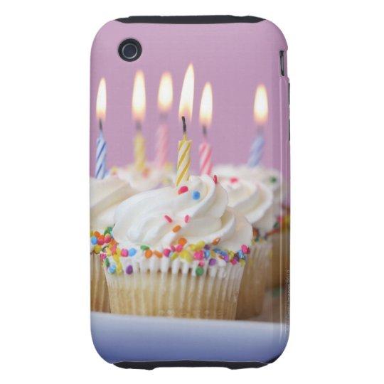 Bandeja de magdalenas del cumpleaños con las velas funda resistente para iPhone 3